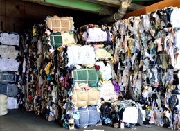 Used clothes for recycled raw materials